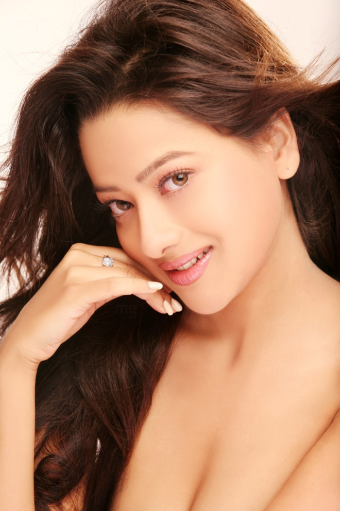 Madalasa Sharma Hot PhotoShoot Gallery