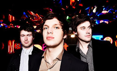 Before Your Eyes: Lo nuevo de Friendly Fires junto a The Asphodells
