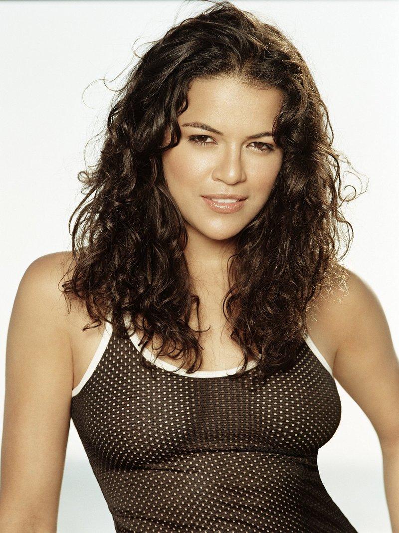 THE WOMEN OF FAST 6 - Michelle Rodriguez ( HOT! ) VS Jordana Brewster