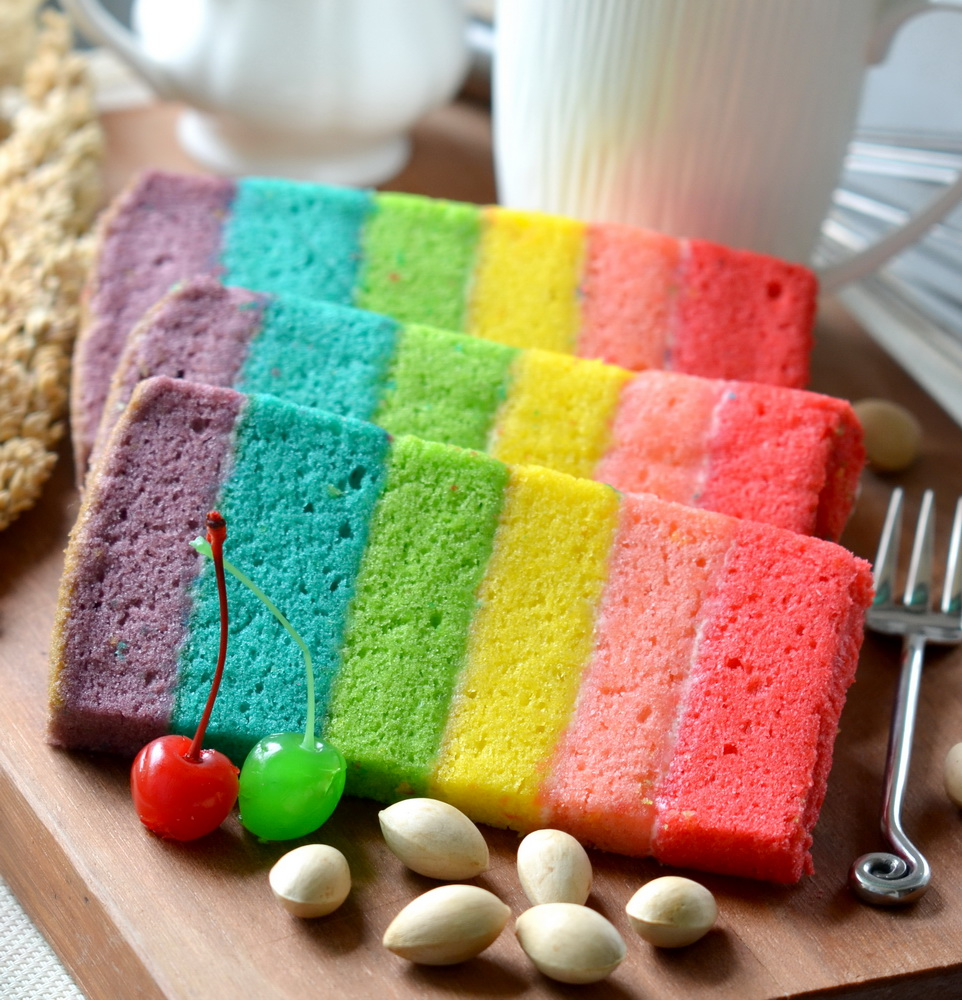 RAINBOW CAKE LEMBUT