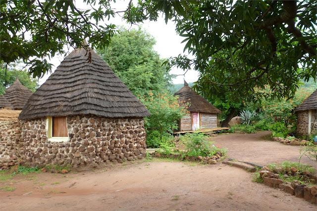 Cabañas del Campement Dogon du Fouta en Dindefelo