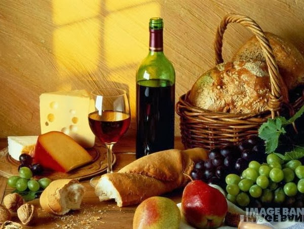 Pão, Queijo, Vinho, Frutas...