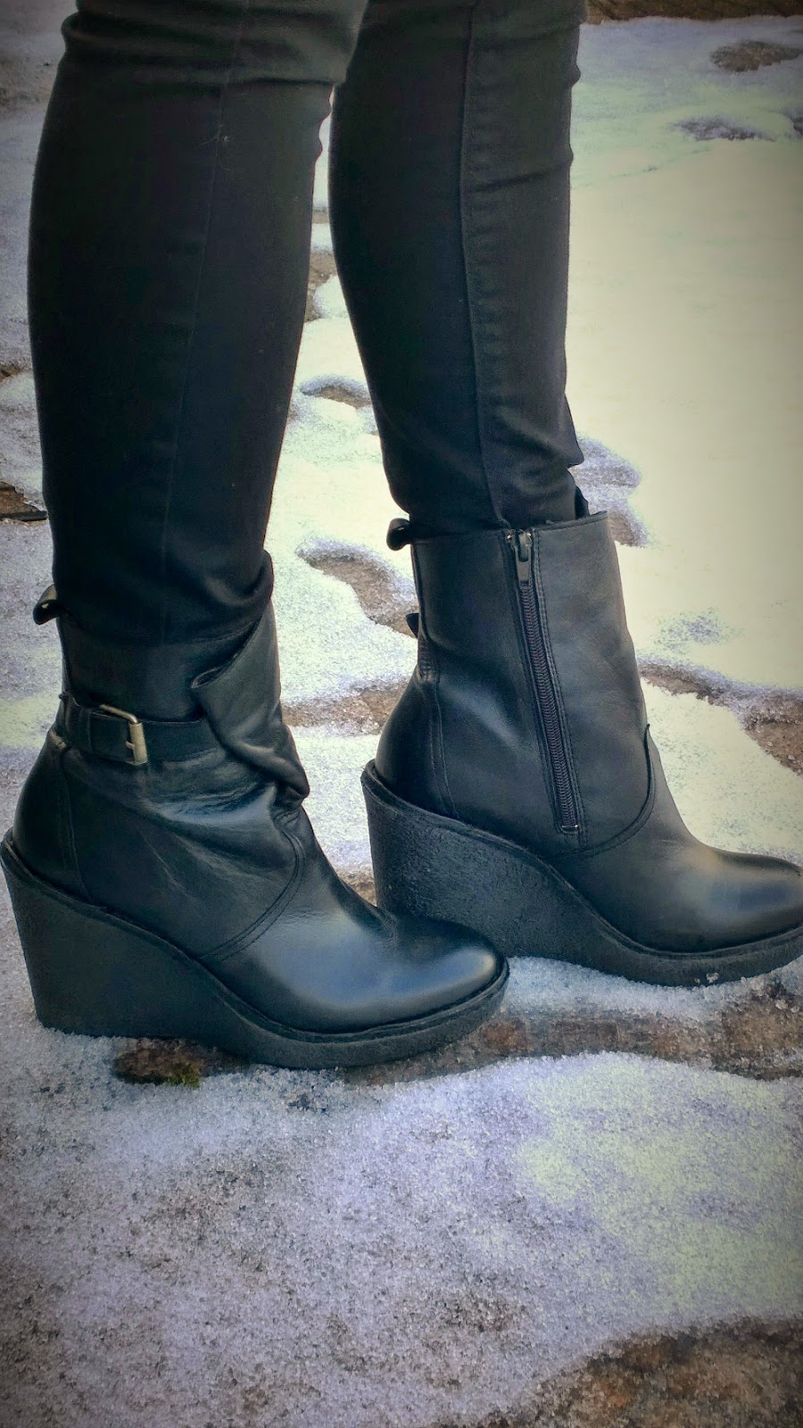 Black Buffalo London wedge boots | Winter is Going || Funky Jungle fashion and personal style blog
