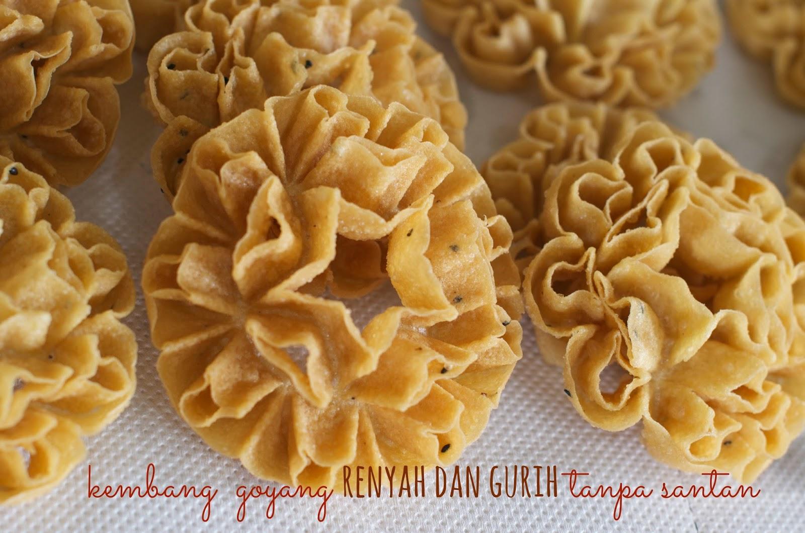 Indonesian Medan Food: Antari , Kembang Goyang , Kembang Loyang