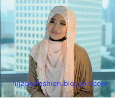Tutorial Jilbab Special Untuk Lebaran