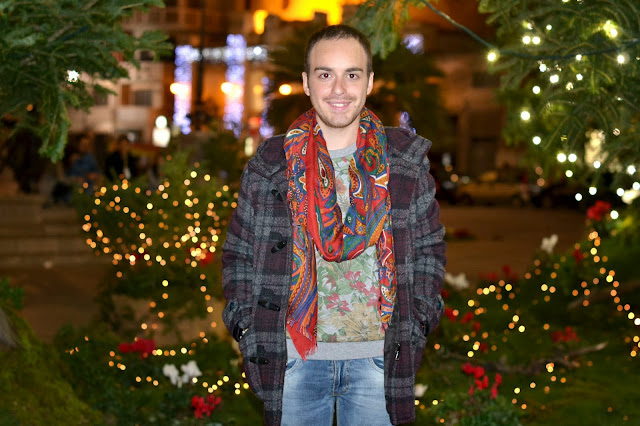 http://www.syriouslyinfashion.com/2013/12/christmas-lights-in-city.html