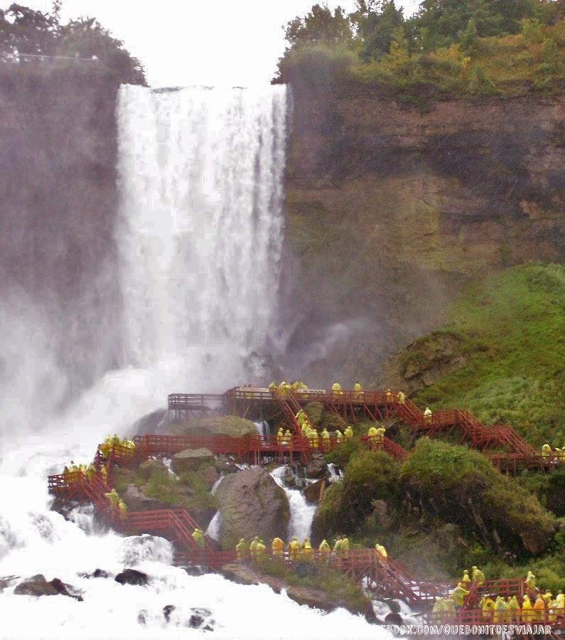 Cataratas Velo de Novia desde la Cueva de los Vientos