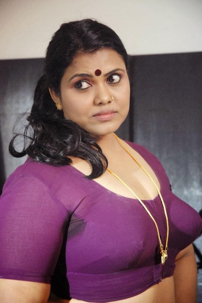 doodhwali kerala mallu sexy aunty without saree big milk tanks deep ...