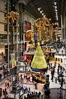 Holiday Shopping that to Flickr User http://www.flickr.com/photos/bensonkua/