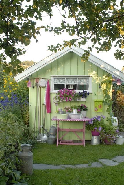 Home garden cabanes de jardin for Cabane de jardin chic