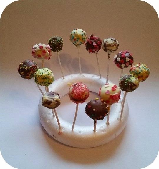 bunte cake pops ohne backen floral heart. Black Bedroom Furniture Sets. Home Design Ideas