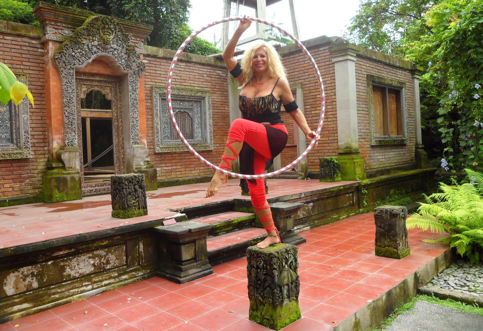 The Hoop Goddess: 2012 Sacred Circularities Hoop Dance Retreat