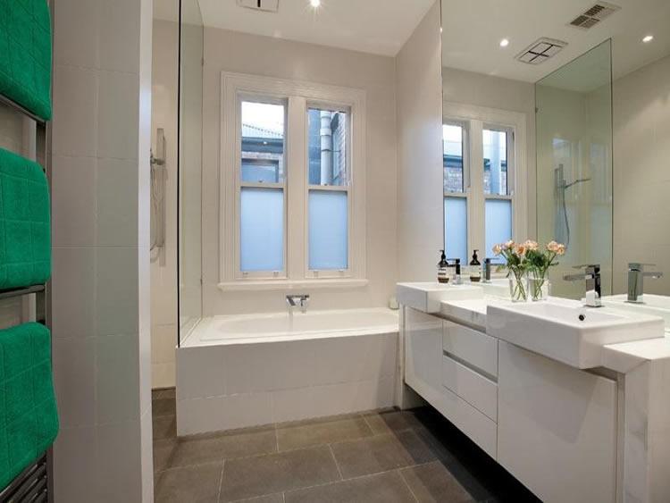 Small victorian bathrooms google search bathroom ideas for Victorian terrace bathroom ideas