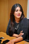 Shruti Haasan Glam pics-thumbnail-43