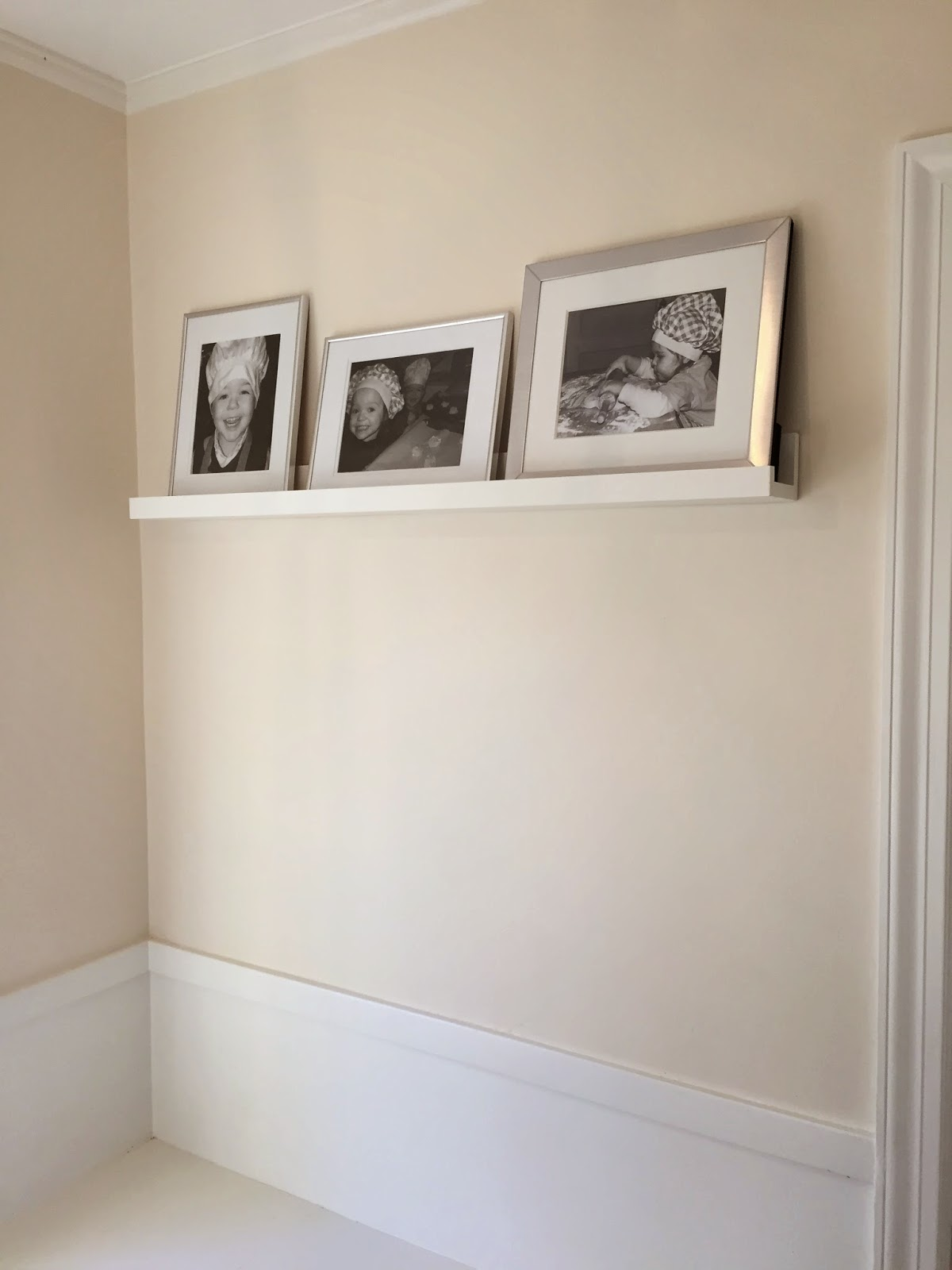 How to make a gallery ledge - how to build a photo shelf