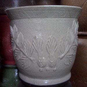 Pot Corak Putih - Rp 50.000