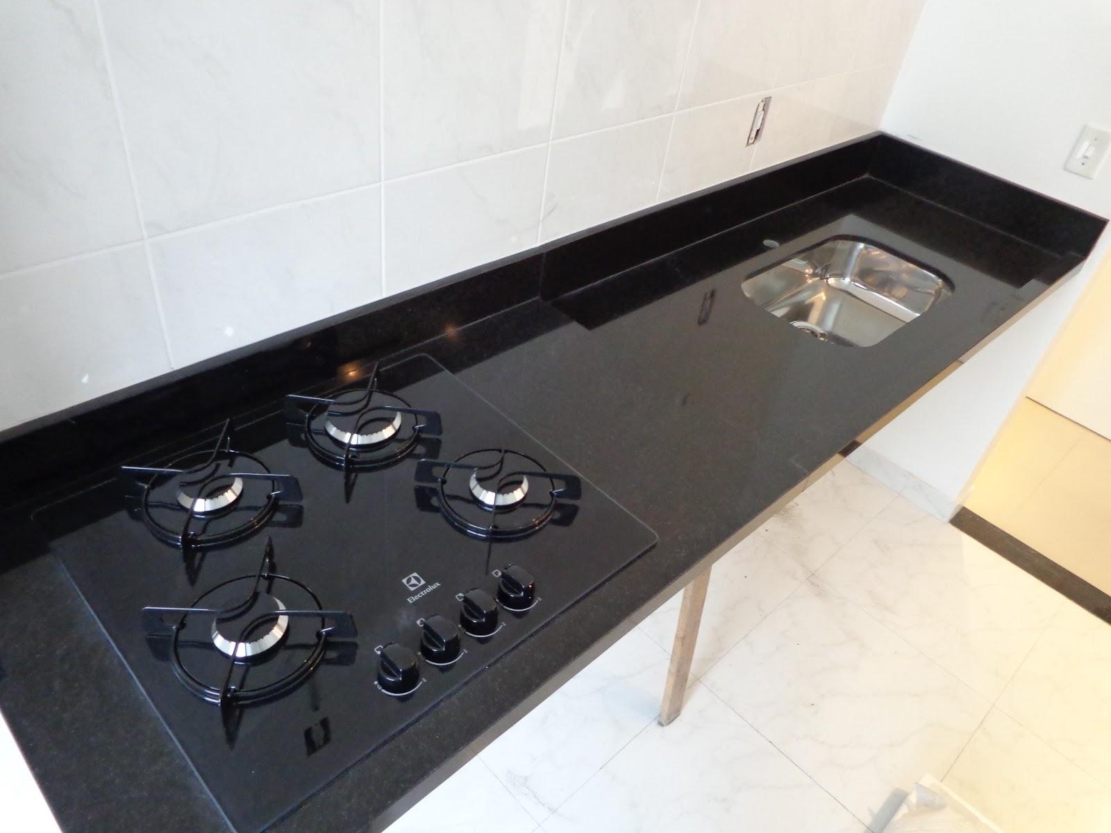 Ap Nosso: Granito na Cozinha e Nanoglass no Banheiro #A1752A 1600 1200