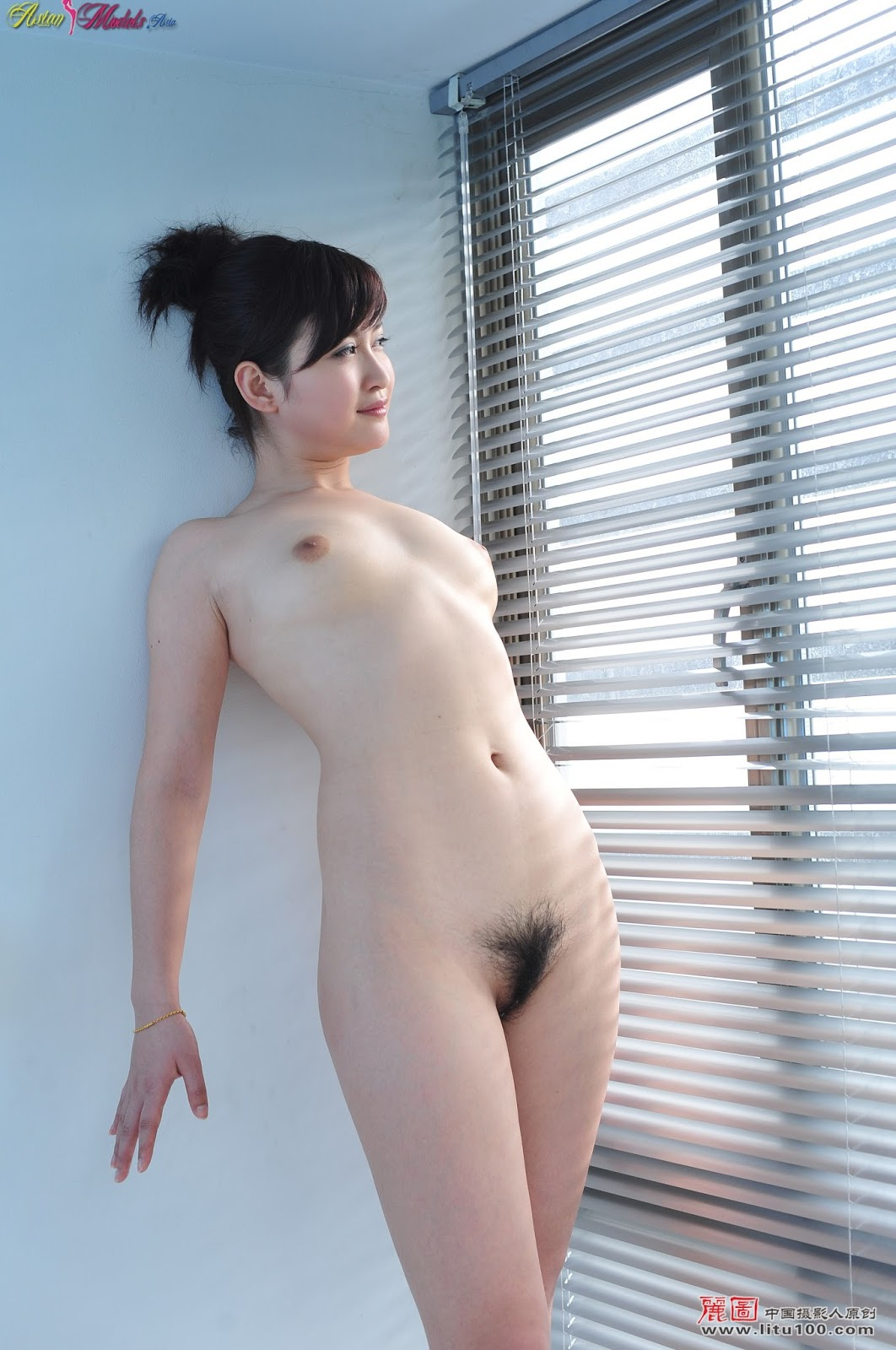 Nude models chinese girl