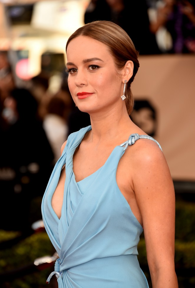 WHO WORE WHAT?.....2016 SAG Awards Red Carpet: Brie Larson ...