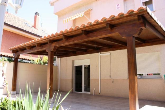 Carpinteria jesus climent barandas de madera para escaleras - Pergolas y porches de madera ...