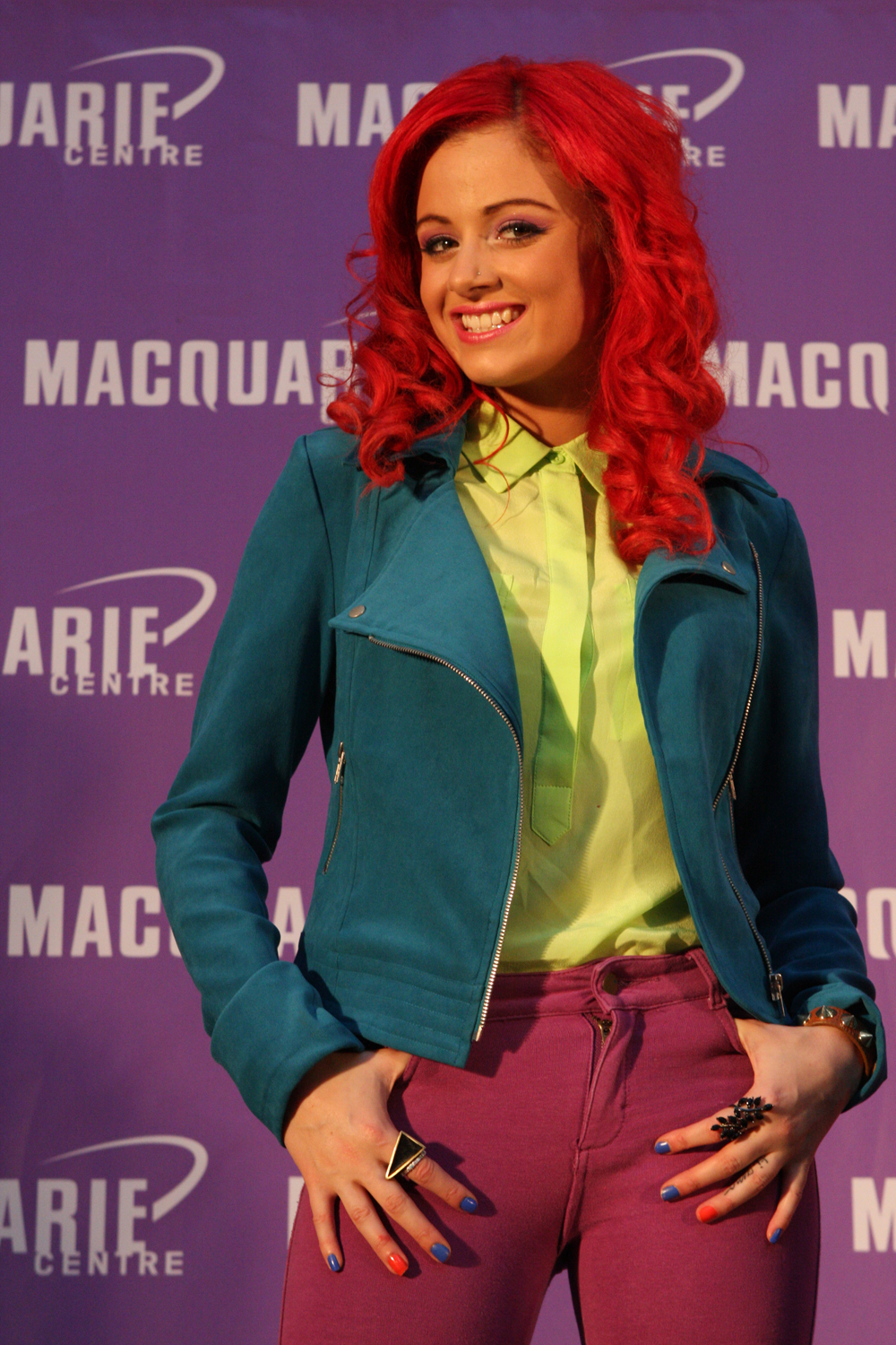 who is sarah de bono dating An even worse impression comes in the form of sarah's dating history – most prevalently that she has been crushing hardcore shane keough: @tamrabarney you.