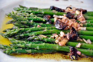 Asparagus with Fig Vinaigrette