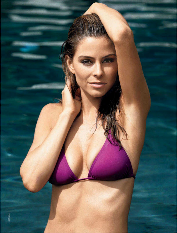Maria Menounos sexy in swimwear