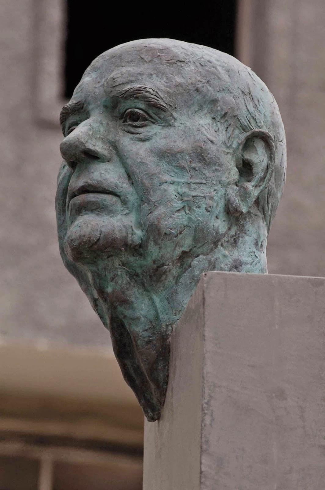 Monumento bronce Fuente Álamo Murcia Arturo Serra escultura 3