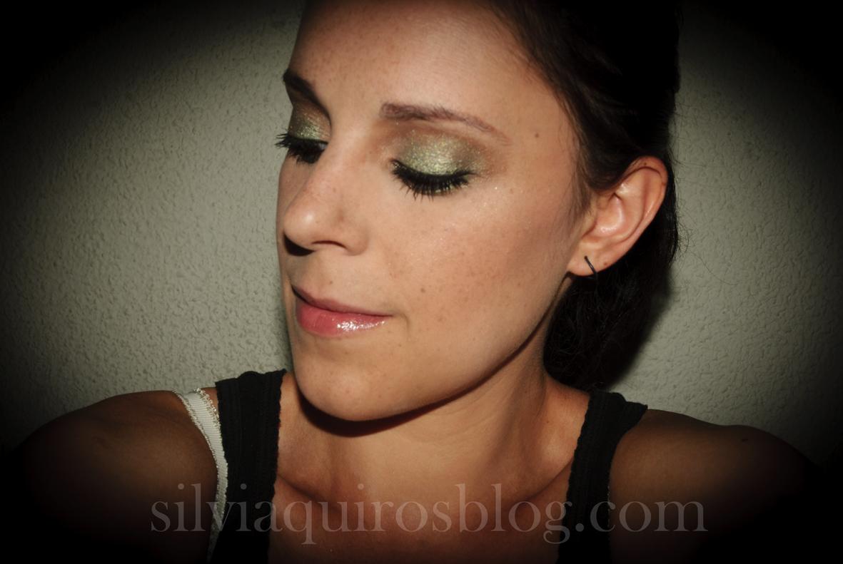 http://1.bp.blogspot.com/-hOshITGdoEA/UFFBnUSnrUI/AAAAAAAARj4/u3X0ZD5LDrU/s1600/scarlett+johansson+verde8.jpg
