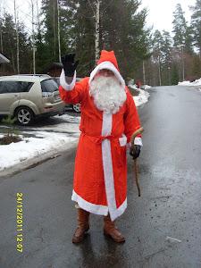 Joulupukkipalvelu Tampere toimii tilanteen mukaan koko Tampereen talousalueella Kangasala, Nokia ..