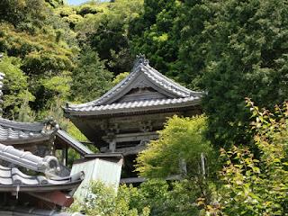岩殿寺鐘楼