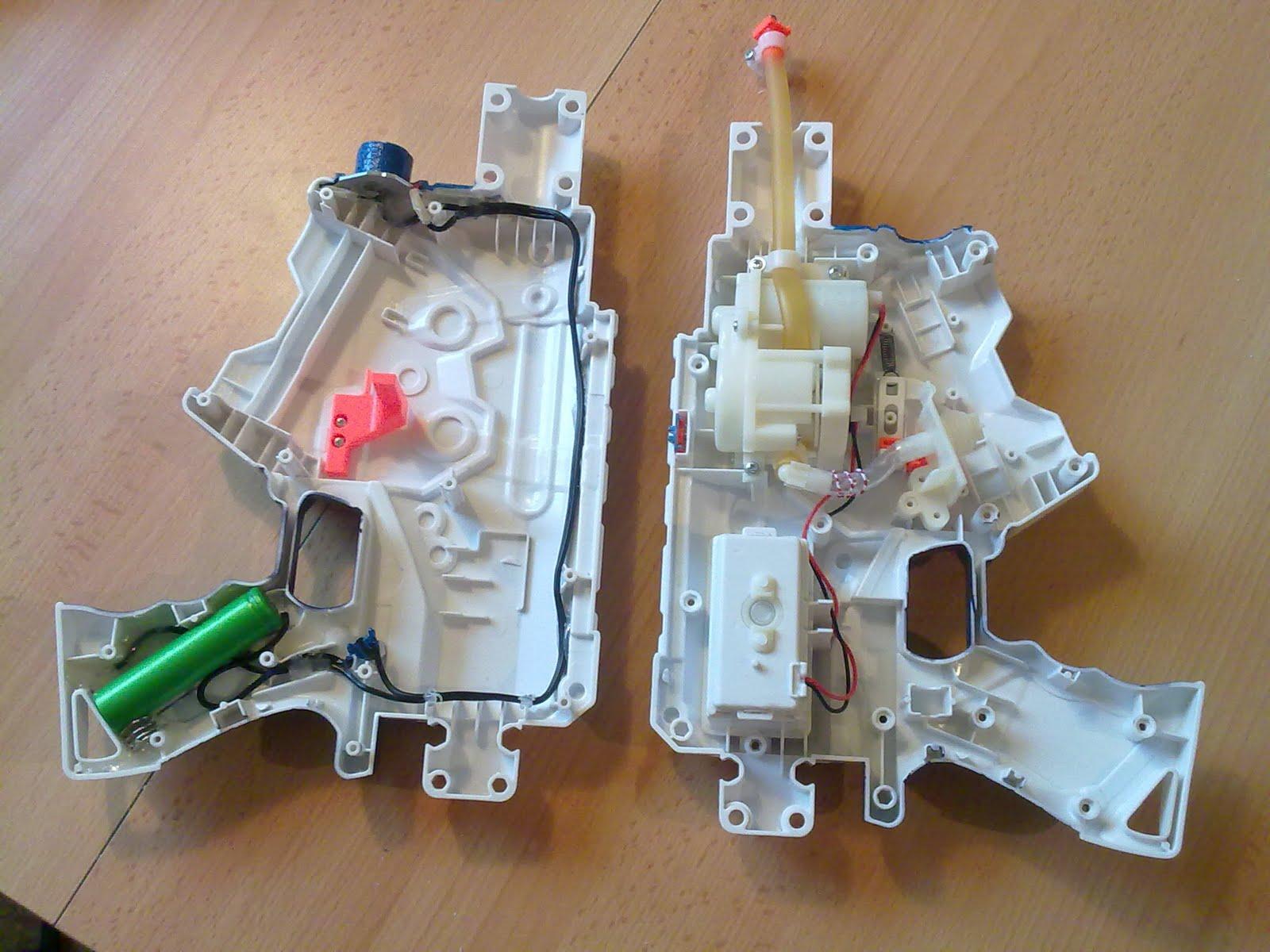 Thunderstorm marine mod anschluss led lampe eine lithium ionen batterie aus einen notebook akku ist im griffstck platziert ber den taster kann die led in der front eingeschaltet parisarafo Choice Image