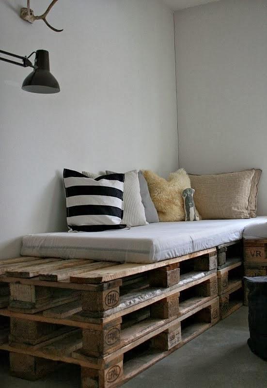 Home garden 20 id es pour transformer des palettes en for Salon interieur palette
