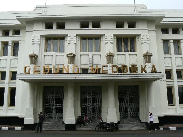 Gedung Merdeka, salah satau Tempat Bersejarah di Kota Bandung