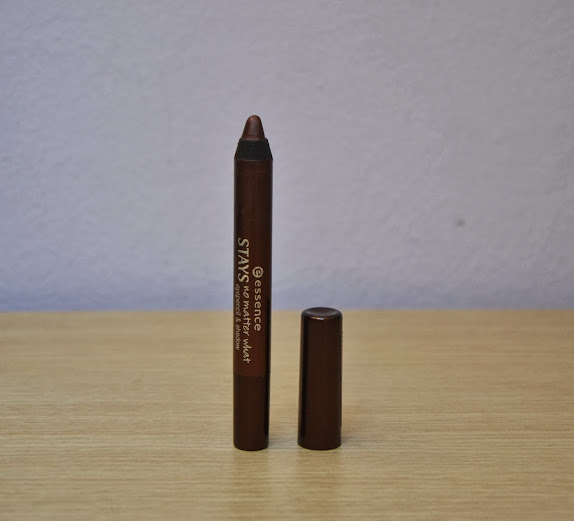 Review: Essence Stays No Matter What Eyepencil&Shadow in Chocolate Brownie
