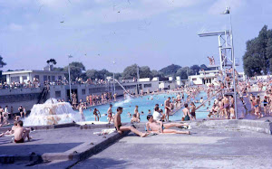 Hilsea Lido on a sunny day