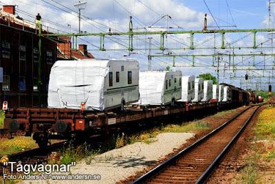 tågvagnar, järnvägsvagnar, tåg, järnväg, vagn, husvagn, husvagnar, man ska ha husvagn, husbil, tågvagn, järnvägsvagn, lok, godståg, järnvägsstation, eslöv, skåne, foto anders n