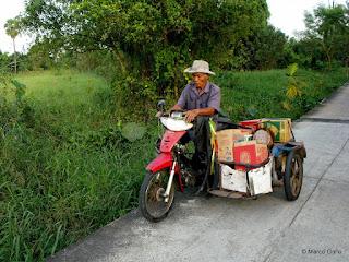 KOH KRET, LA ISLA DEL RÍO CHAO PHRAYA, BANGKOK. TAILANDIA