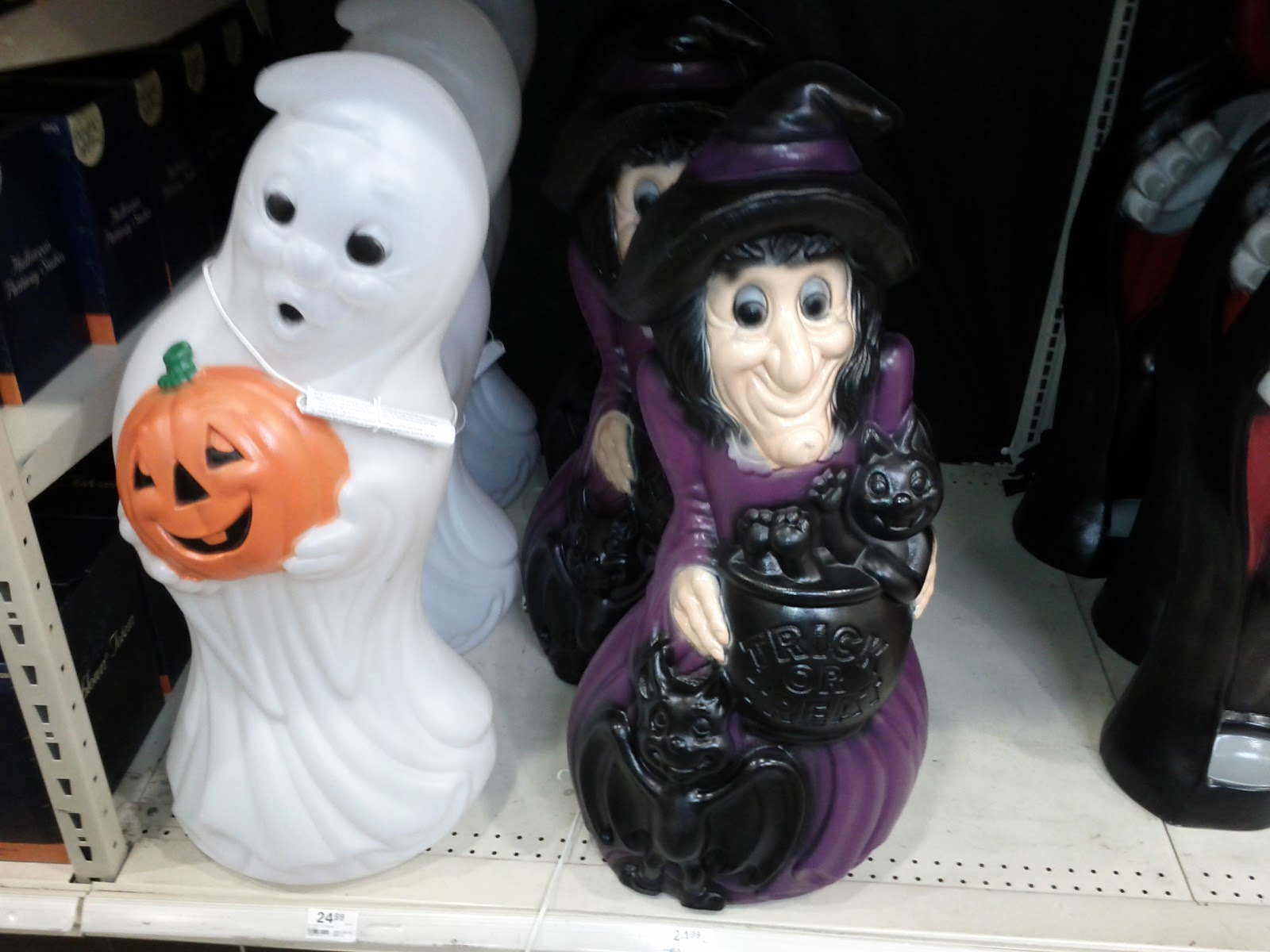 menards has gone halloween already - Menards Halloween Decorations