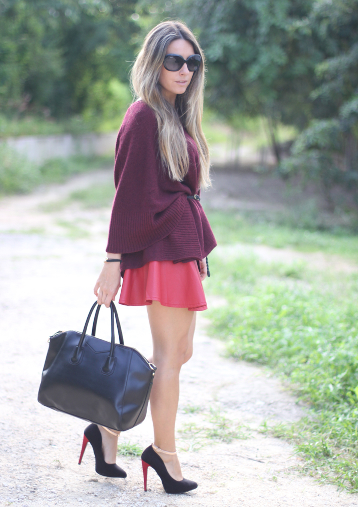 Red+skater+leather+skirt+blogger+%25282%