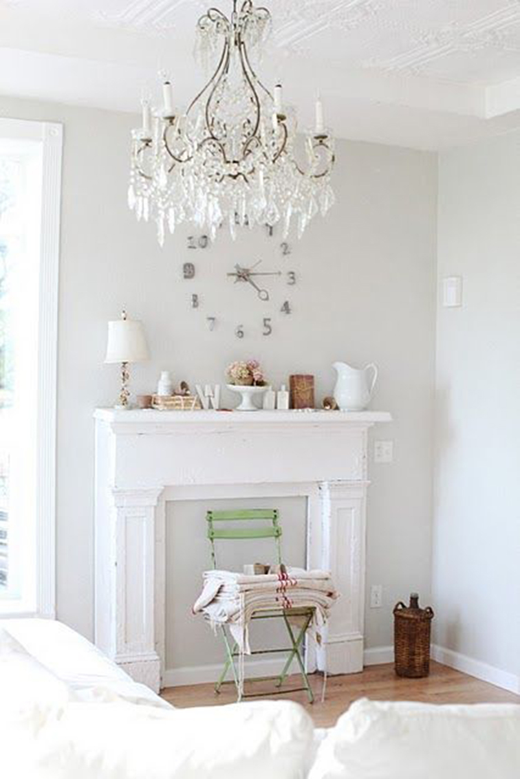 White living room, shabby chic chandelier