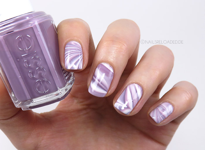 Nageldesign watermarble versuch nails reloaded by naileni for Glitzer bilder selber machen