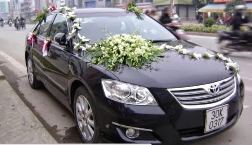 Cho thuê xe cưới Camry 3.5Q hạng sang