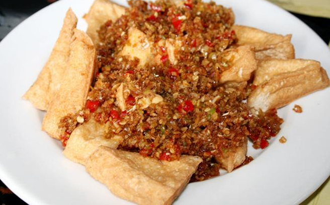 Làm món Đậu hủ chiên sả ớt cà ri ngon hét ý