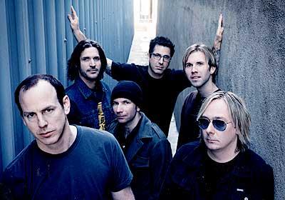 Antes do Brasil, a banda toca dia 07 em Santiago, Chile, ...