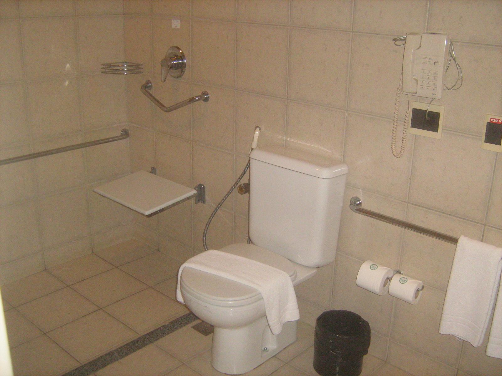 Imagens de #944737 VIAJANTE ESPECIAL: Hotel Holiday Inn  Fortaleza CE 1600x1200 px 3572 Barras Para Banheiro Adaptado