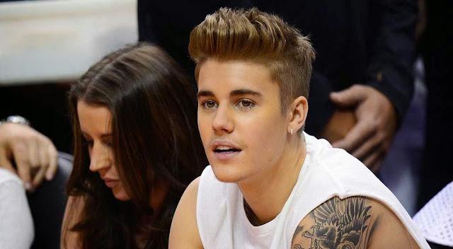 Justin Drew Bieber bersama Cewek