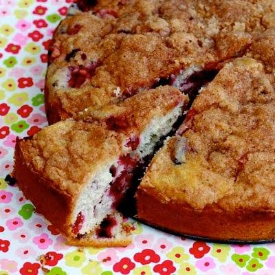 Berry Coffee Cake with Cinnamon Streusel