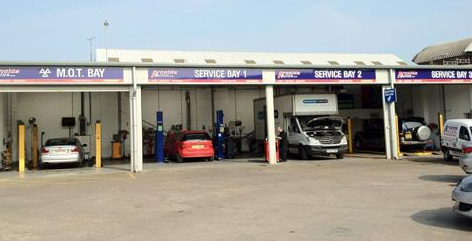 Arnolds Autos Hull workshop