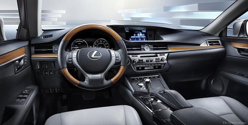 2013 Lexus ES 350: (Review)